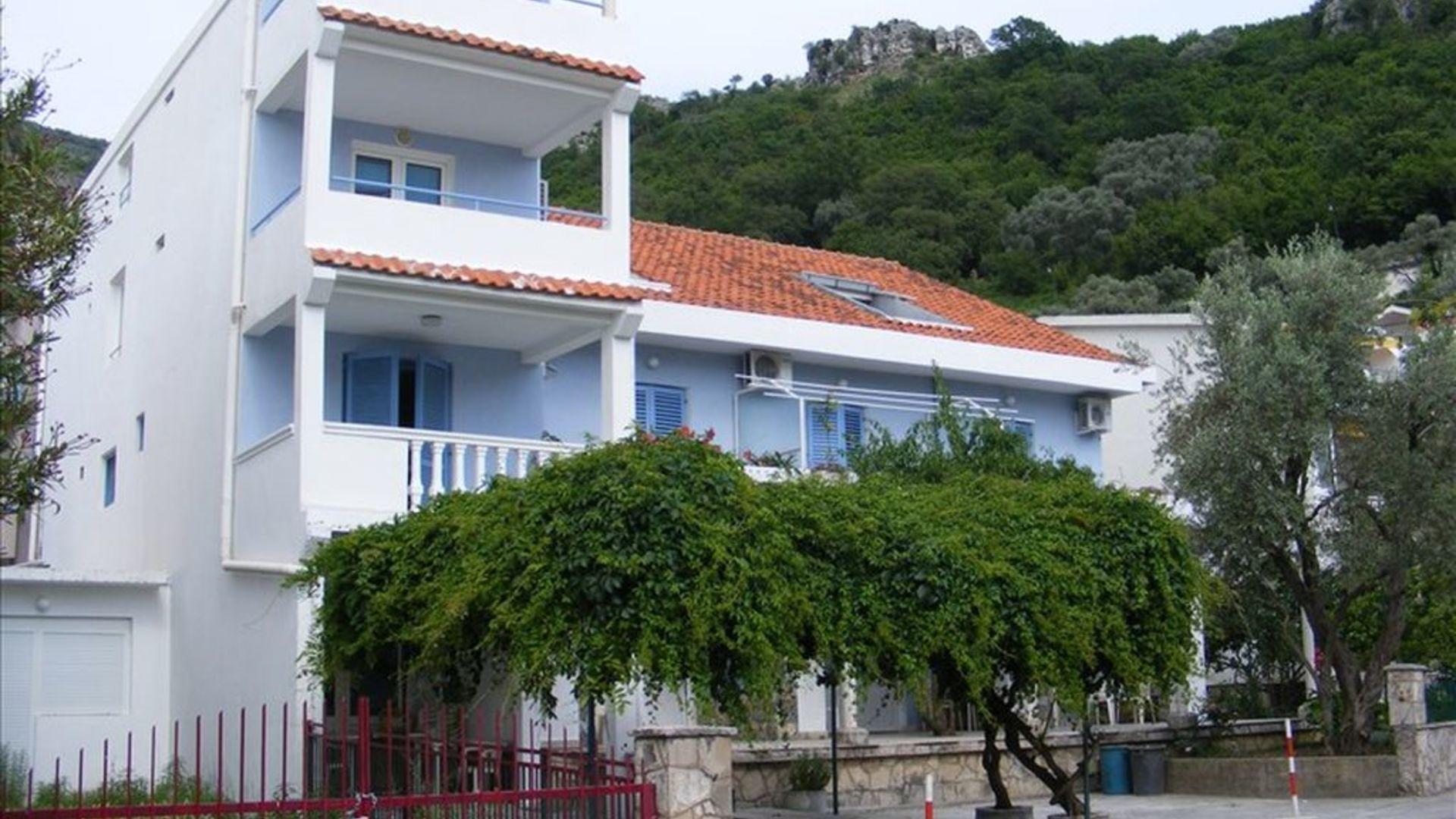 это обала фонтана черногория фото обратная стороне