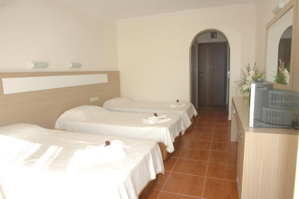 Royal ideal beach hotel 3 for Hotel ideal paris 15